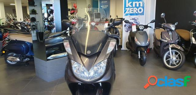 Yamaha majesty 400 benzina in vendita a bari (bari)