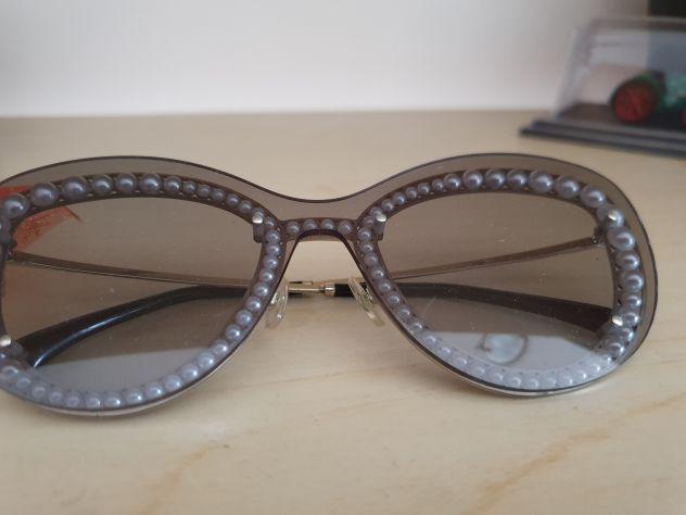Vendo occhiali chanel per le donne