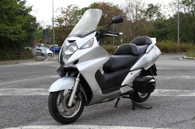 Honda silver wing 600 2001 €. 750 permute rif. 12495519