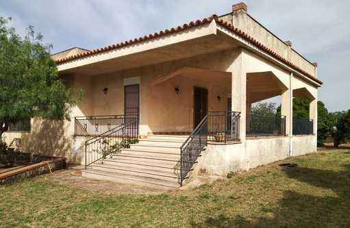 Sicilia prov.di siracusa noto, villa con terrazze,giardino
