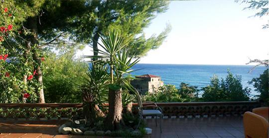 Villa ada, ampio terrazzo vista mare 6+2 pl disponibile