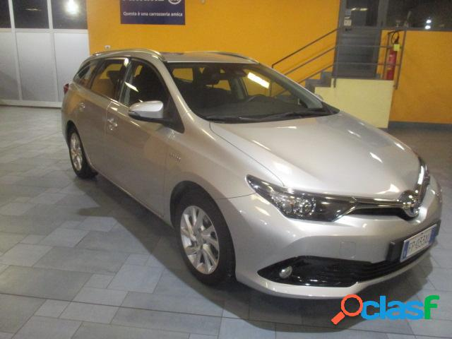 Toyota auris elettrica-benzina in vendita a sorisole (bergamo)