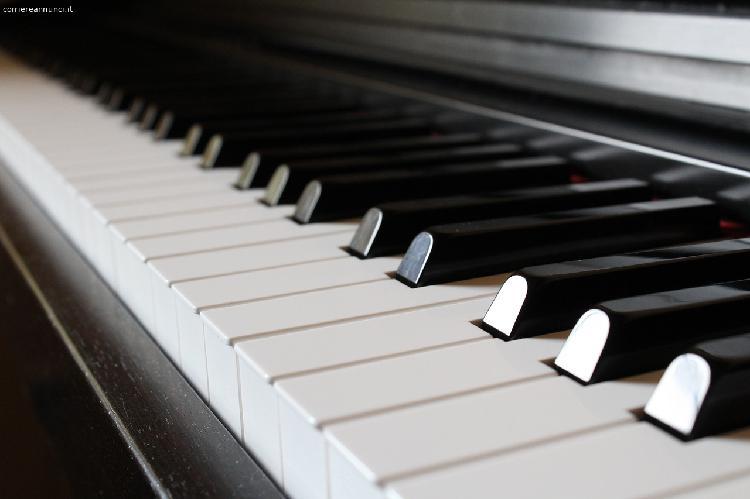 Cercasi Pianista