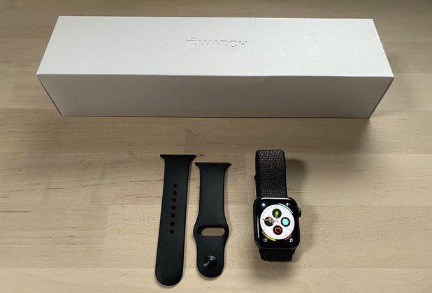 Apple Watch Serie 4 e 2 cinturini GPS+CELL