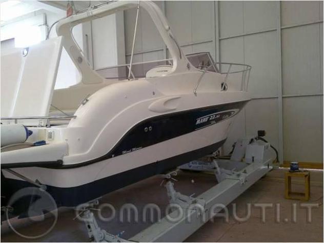 Barca a motoremano marine cabinato 2252 tdi mano m anno2005