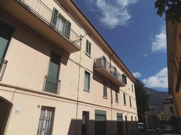 """Appartamento bilocale ristrutturato zona olginate lago"""""""