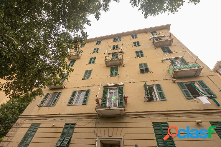 Genova - 9 locali � 79000 t902