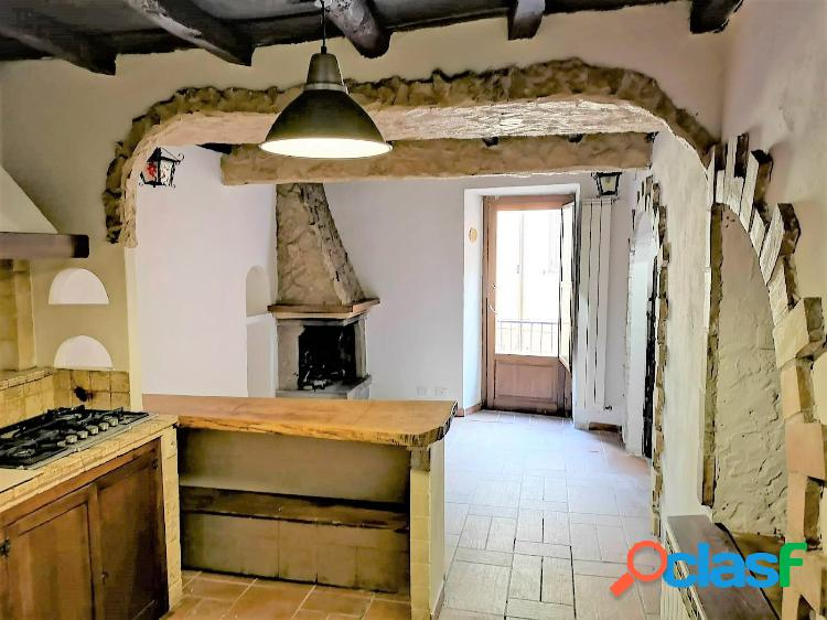 Civita castellana - appartamento 3 locali € 58.000
