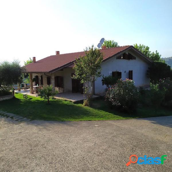 Fara in sabina - villa unifamiliare t513