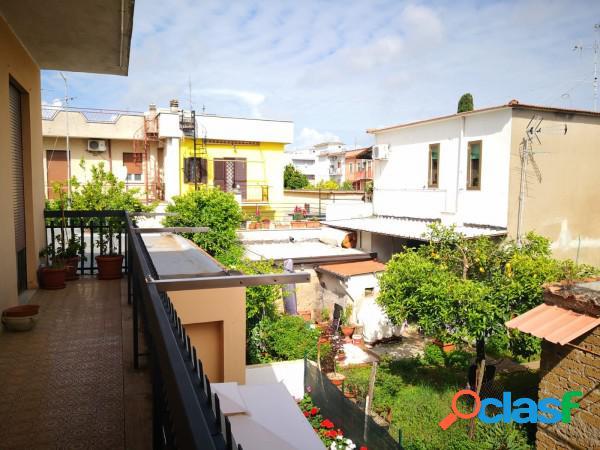 Aprilia appartamento 4 locali 120.000 eur t407