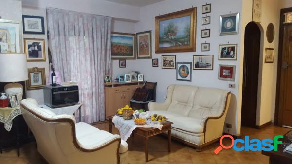 Pomezia appartamento 4 locali 170.000 eur t401