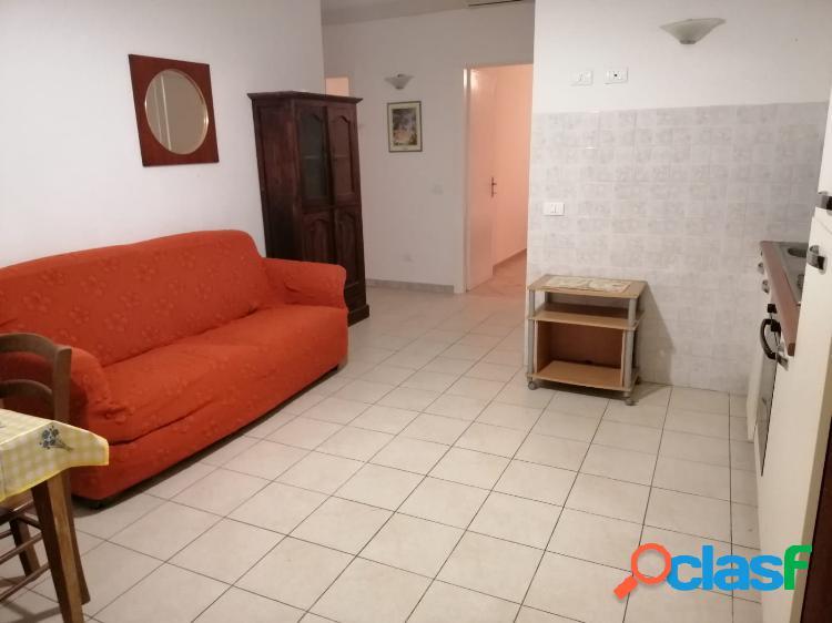 Campo sportivo - appartamento 3 locali € 500 a302