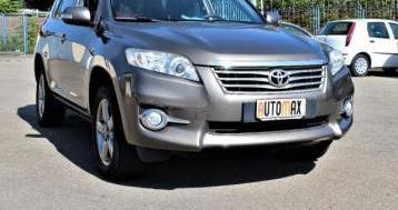 Toyota rav4 2.2 d-4d…