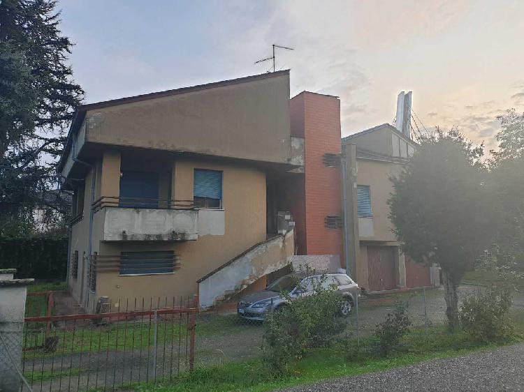 Indipendente - Villa a Parma