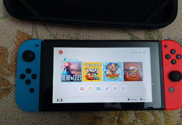 Nintendo switch con accessori e giochi