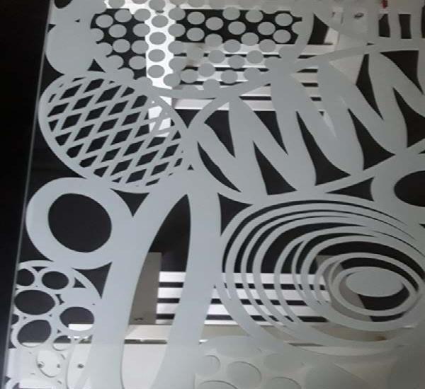 Tavolo Vetro E Acciaio Ikea.Tavolo Vetro Ikea Offertes Maggio Clasf
