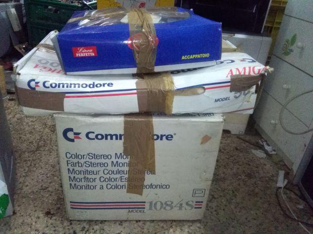 Commodore amica 1084s modell 500 perfettamente funzionante