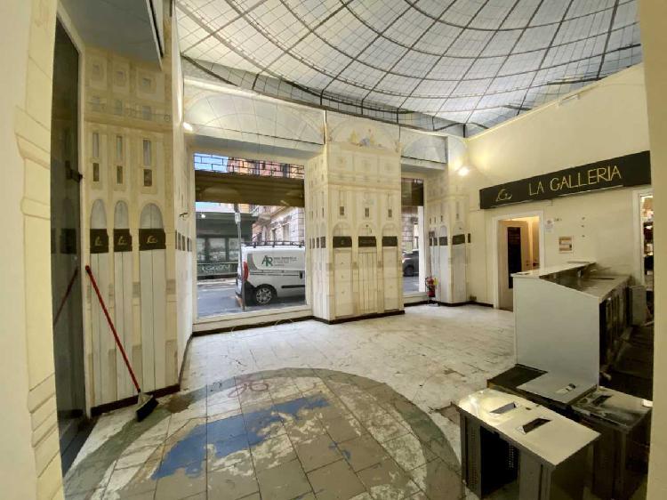 Capannone / Fondo - Commerciale a Centro, La Spezia