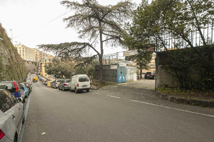 Laboratorio a Centro, Genova