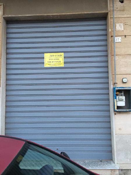Locale commerciale - 1 Vetrina a Tunisi Grottasanta Servi di