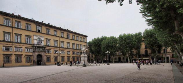 Negozio centro storico lucca
