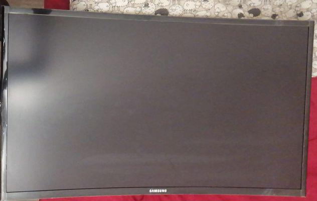 SAMSUNG Monitor CURVO 27 pollici - GAMING - FULL HD