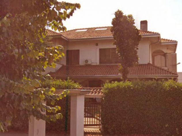 Seleziona il tuo annuncio villa unifamiliare rho villa