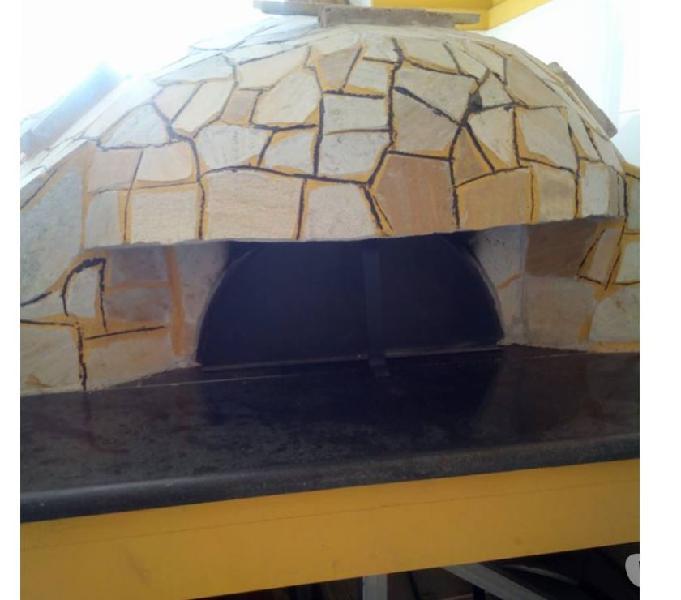 attrezzatura da pizzeria e ristorante