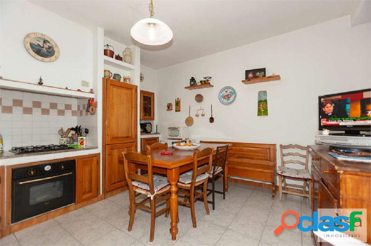 Appartamento quadrilocale a Malnate zona centro 3