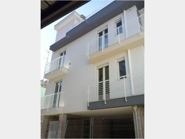 Privato in affitto appartamento abitata via cassano mq145