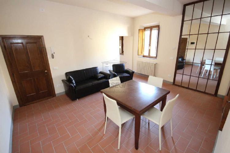 Appartamento - ristrutturato a Centro storico, Lucca