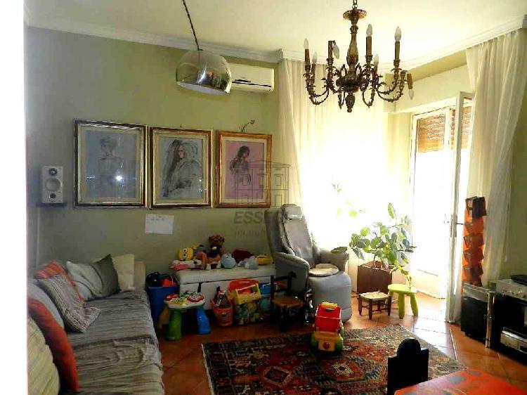 Appartamento - ristrutturato a Ove, Lucca