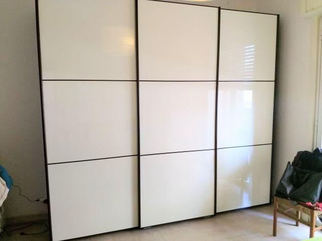 Camera da letto armadio comodini cassettiera