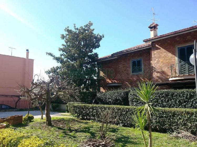 Indipendente - Bifamiliare a Villa Adriana, Tivoli