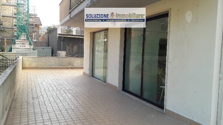 Locale commerciale in vendita, Chieti scalo centro