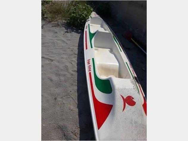 Barca a motore canoa doppia in vtr anno2018 lunghezza mt1