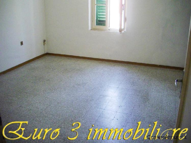 Ascoli piceno-c.parignano-casa con corte