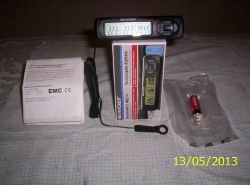 Termometro digitale per autoveicoli