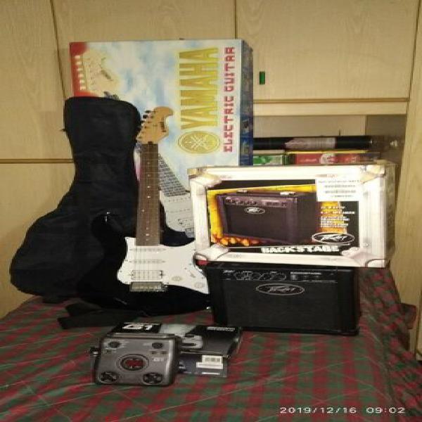 Kit chitarra elettrica yamaha+pedaliera zoom