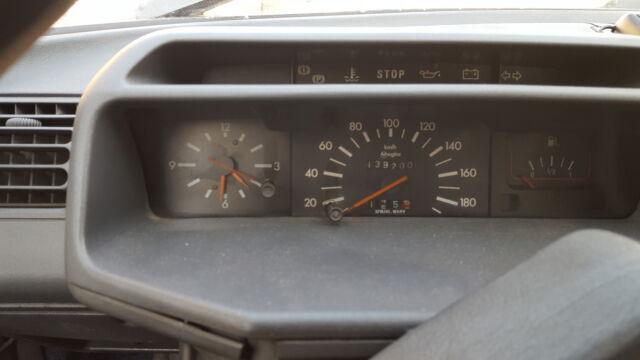 Auto d'epoca peugeot 205 ci cabrio