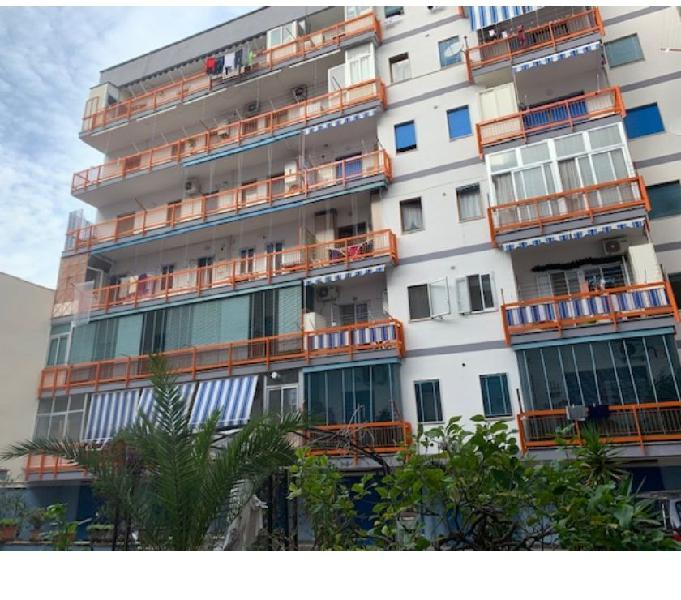 Ampio appartamento in parco di 170 mq. con box doppio
