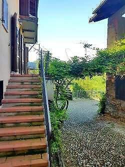 Casa indipendente nel verde delle colline biellesi