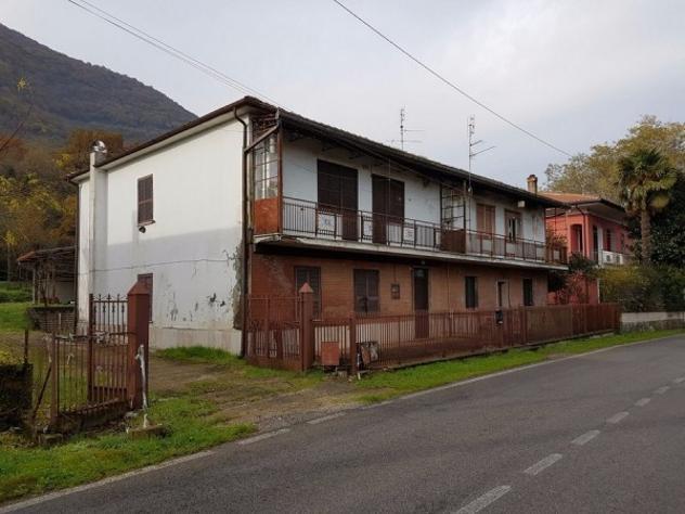 Appartamento di 150 m² con più di 5 locali e box auto
