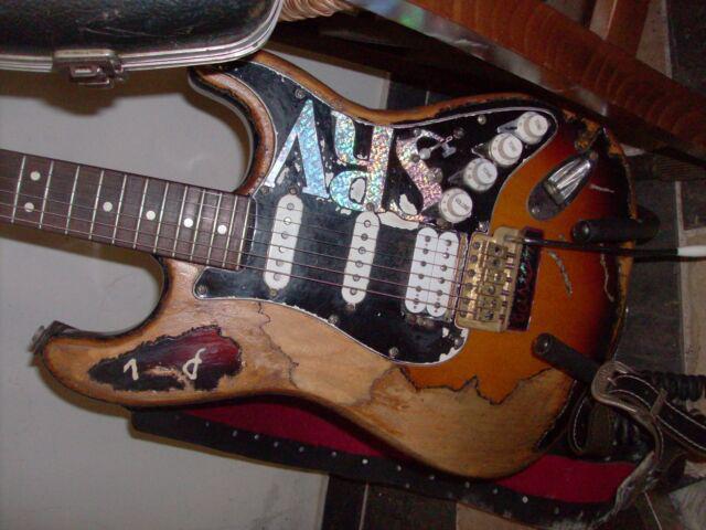Fender stratocaster sr voghan