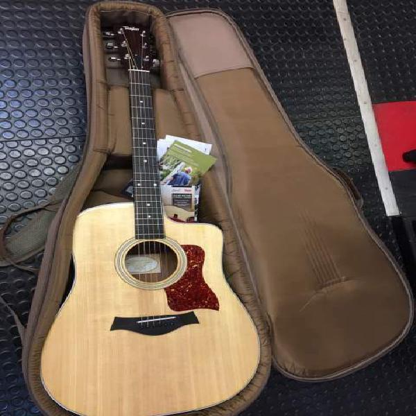 Taylor 210 ce chitarra acustica elettrificata