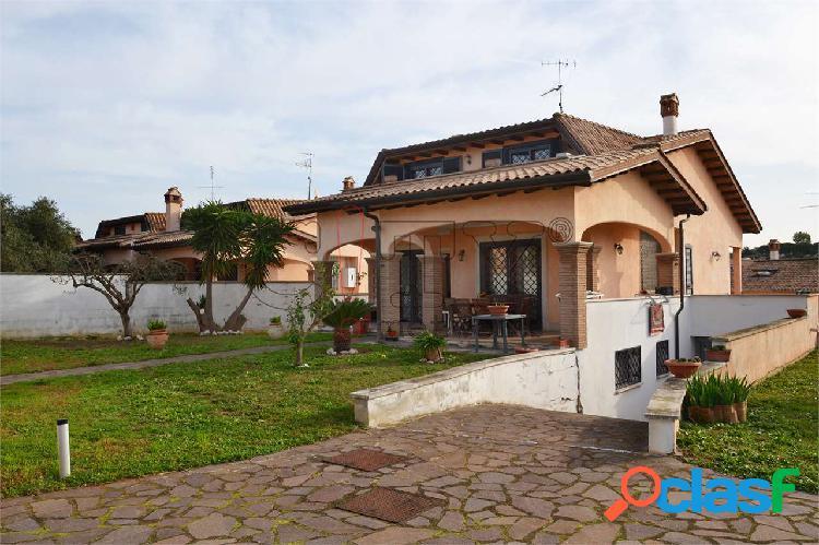 Villa unifamiliare pomezia sedici pini