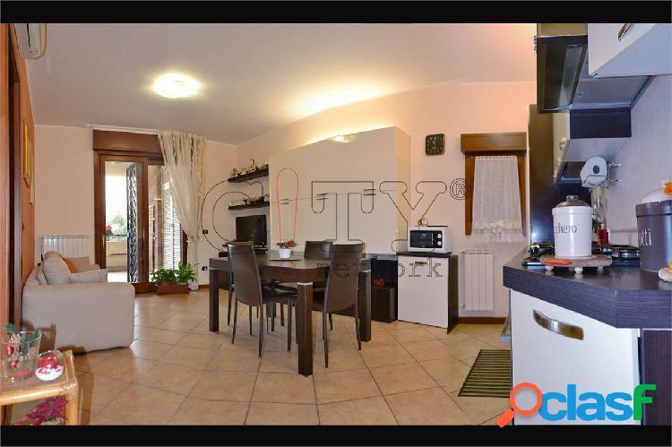 Appartamento bilocale con box Pomezia V.le Odisseo
