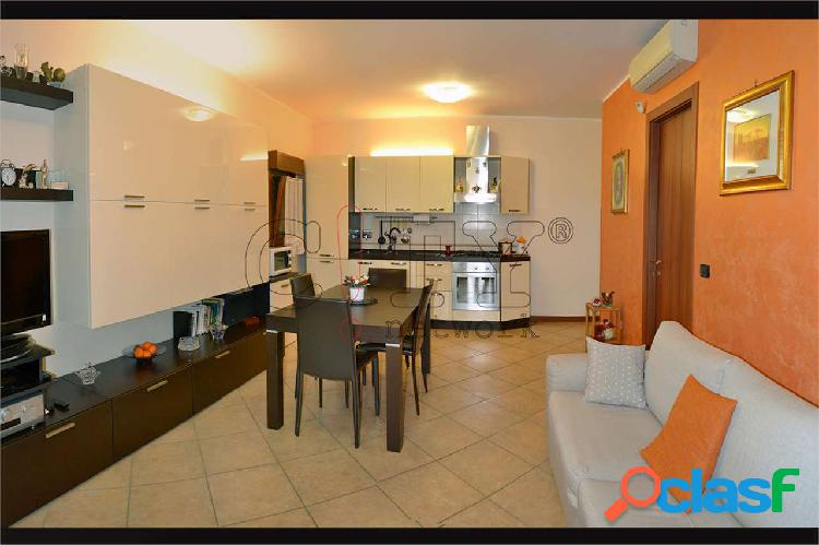 Appartamento bilocale con box Pomezia V.le Odisseo 1
