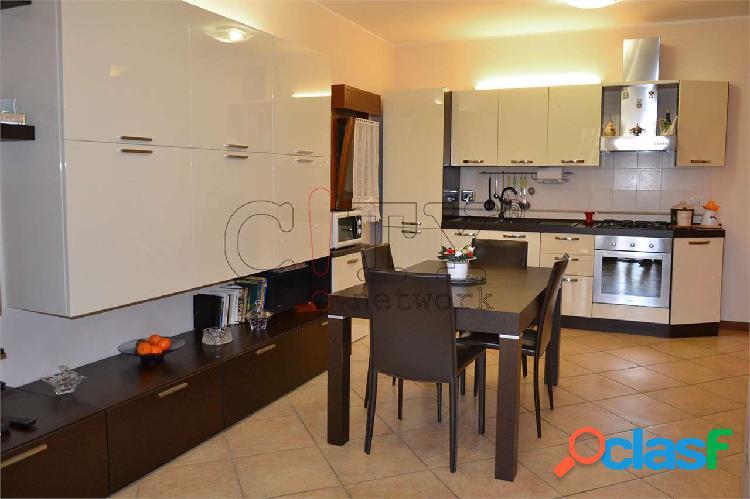 Appartamento bilocale con box Pomezia V.le Odisseo 3