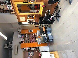 Affittasi negozio di parrucchiera